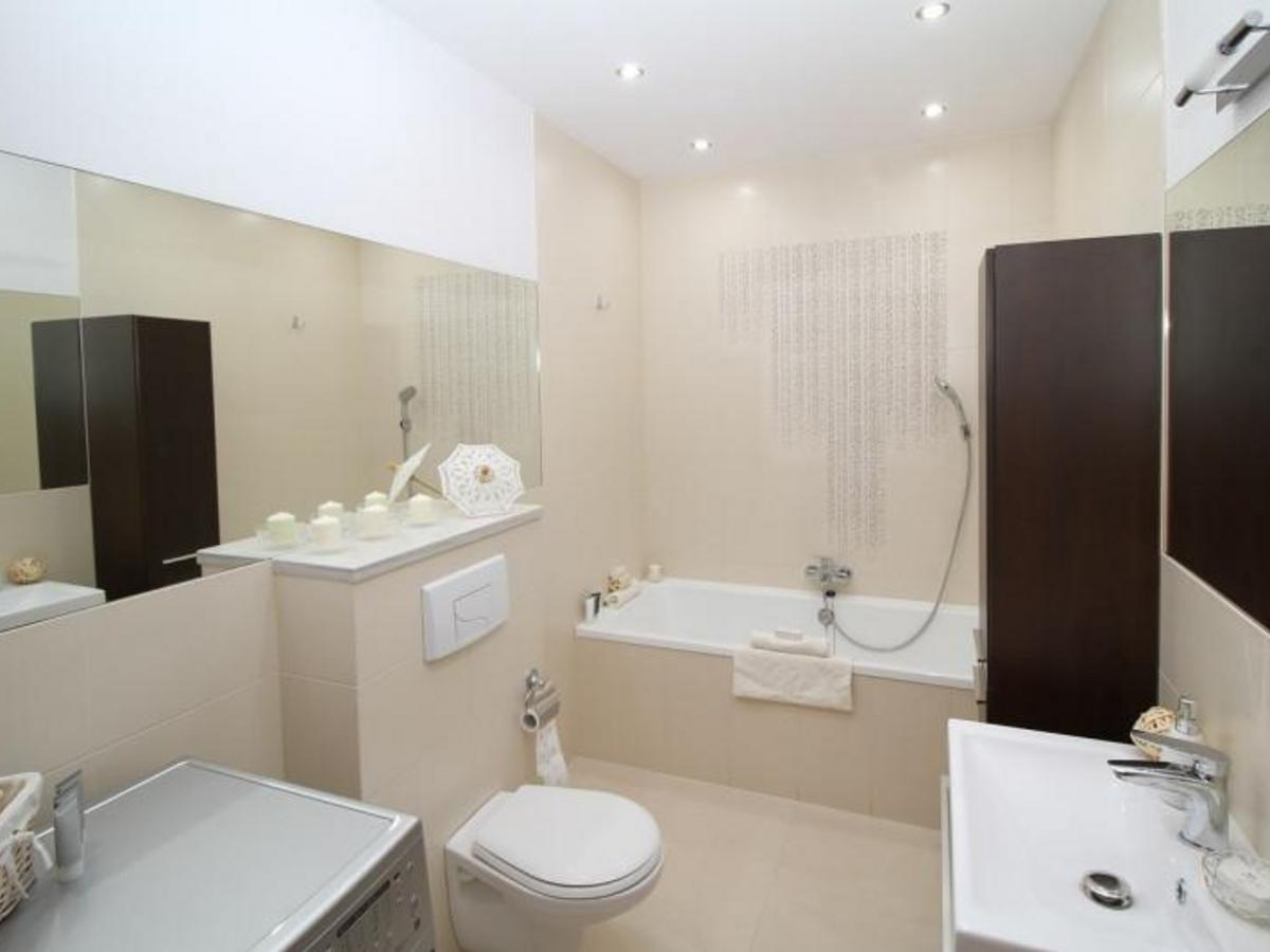 浴室常見跌倒意外!如何預防家中老人、成員受傷?7 大原因與調整法