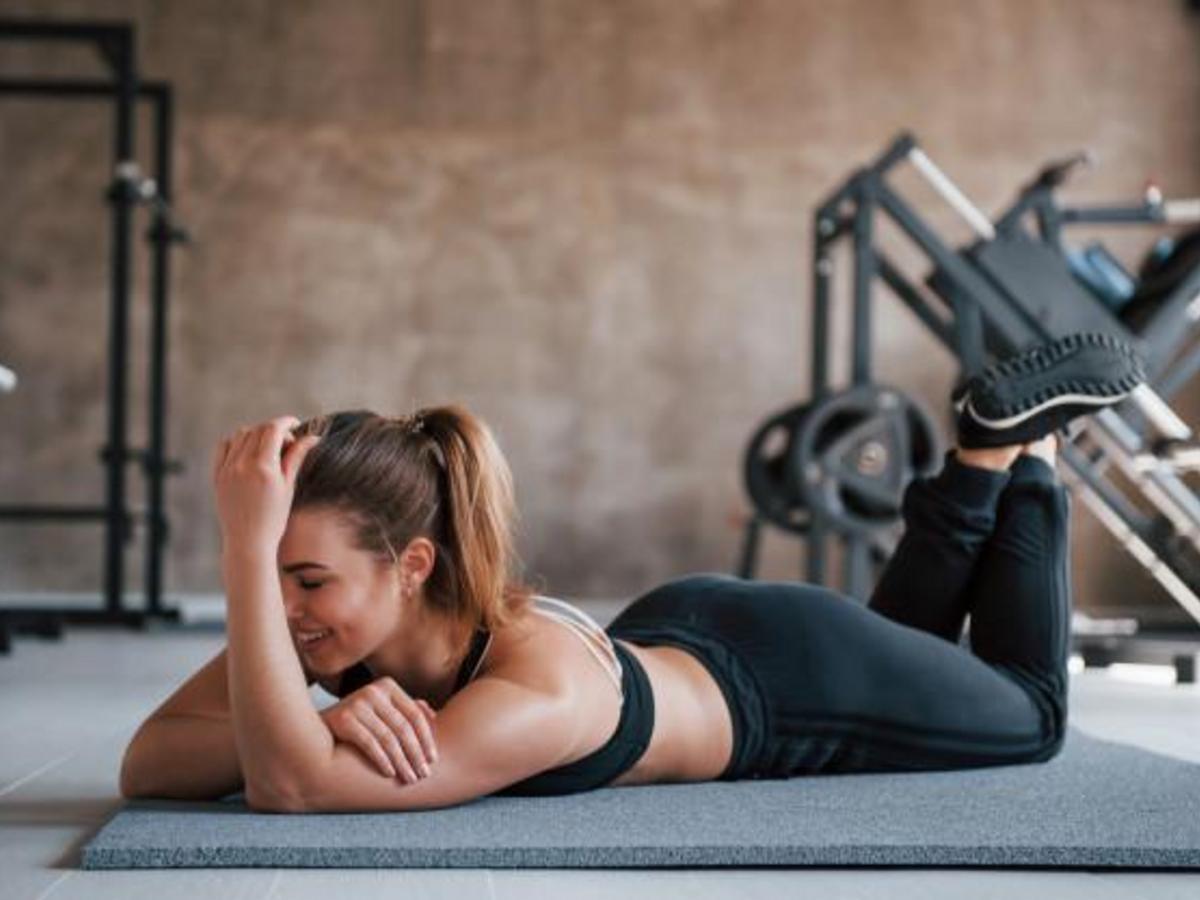 趴著做的運動!趴著強化背、腰、腿肌力,改善痠痛不適