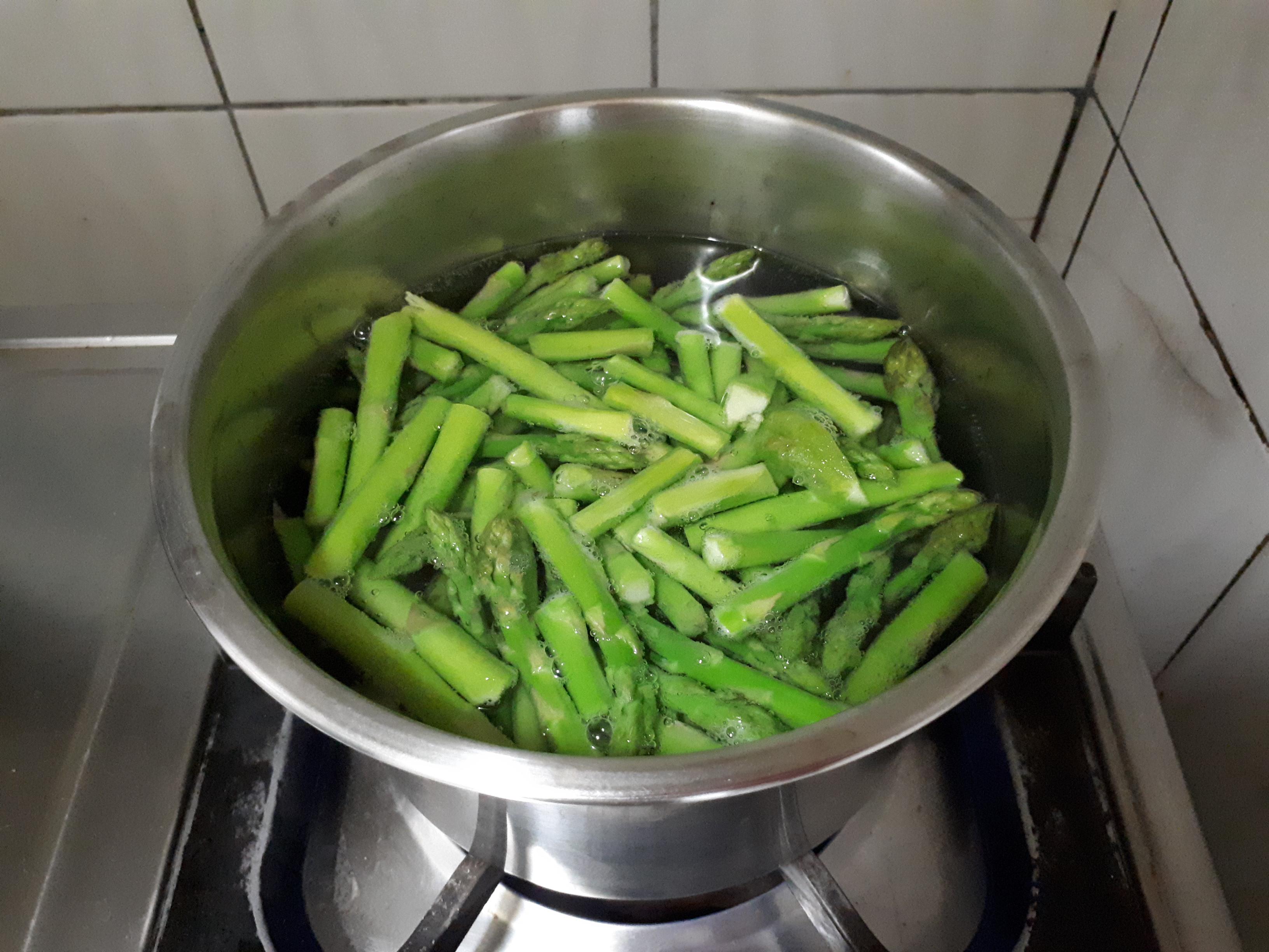 零廚藝免流汗料理~凱薩雞肉沙拉、涼拌苦瓜、涼拌蘆筍的第 7 張圖片