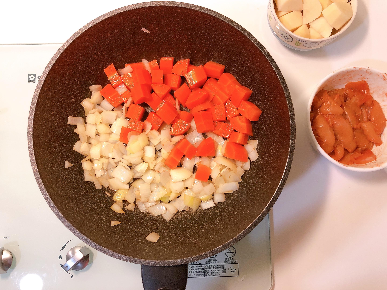 小資上班族最愛的S&B愛思必金牌咖哩:日式烤飯糰、咖哩雞的第 17 張圖片