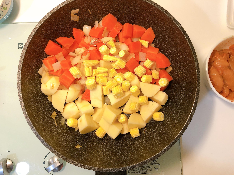 小資上班族最愛的S&B愛思必金牌咖哩:日式烤飯糰、咖哩雞的第 18 張圖片