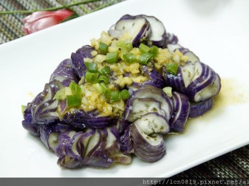 涼拌茄子佐海膽醬