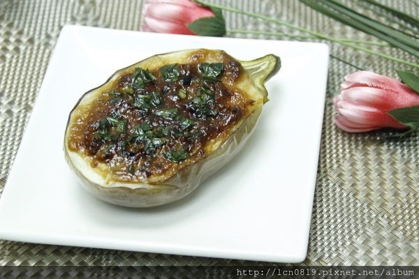 味噌海膽醬烤圓茄