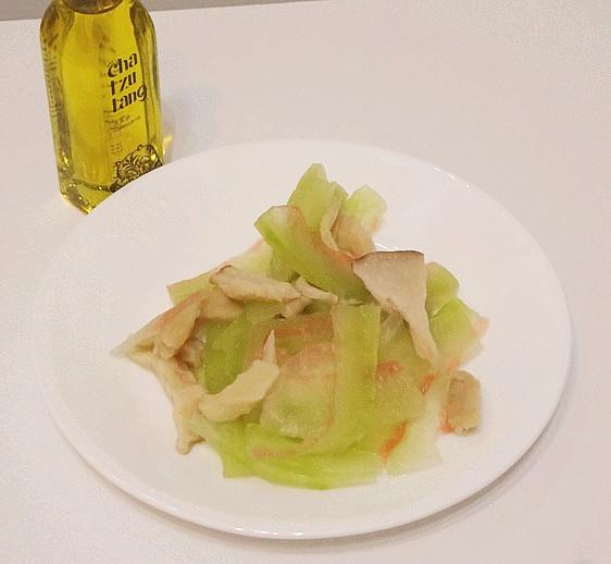 鮮菇涼拌西瓜皮沙拉【自然好油x茶籽堂】