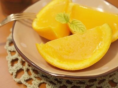 柳橙果凍~~好可愛的清涼消暑甜點!!