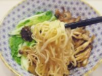 燙青菜醬菇菇麵 小七夏日輕食尚