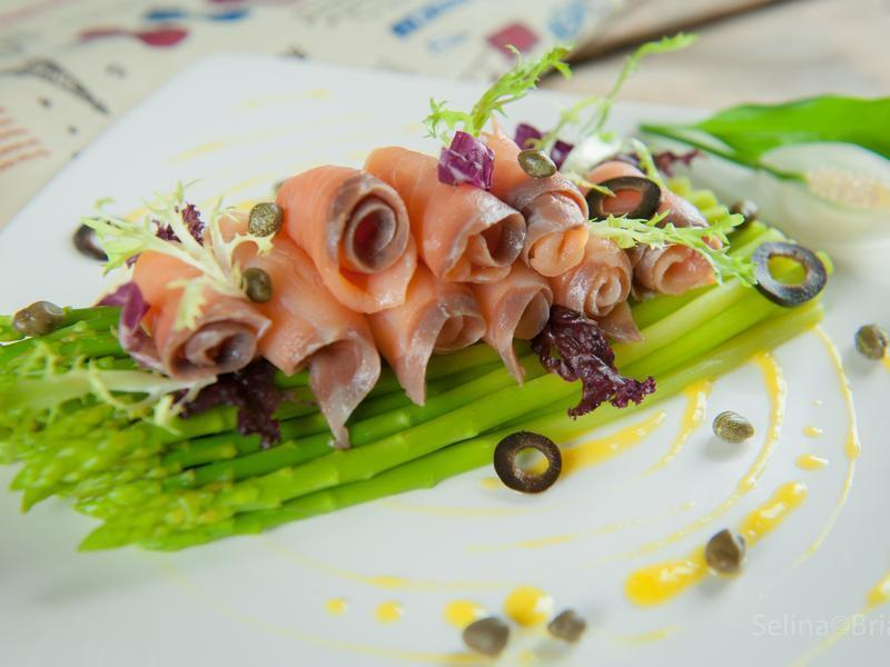 燻鮭魚蘆筍沙拉@Selina Wu