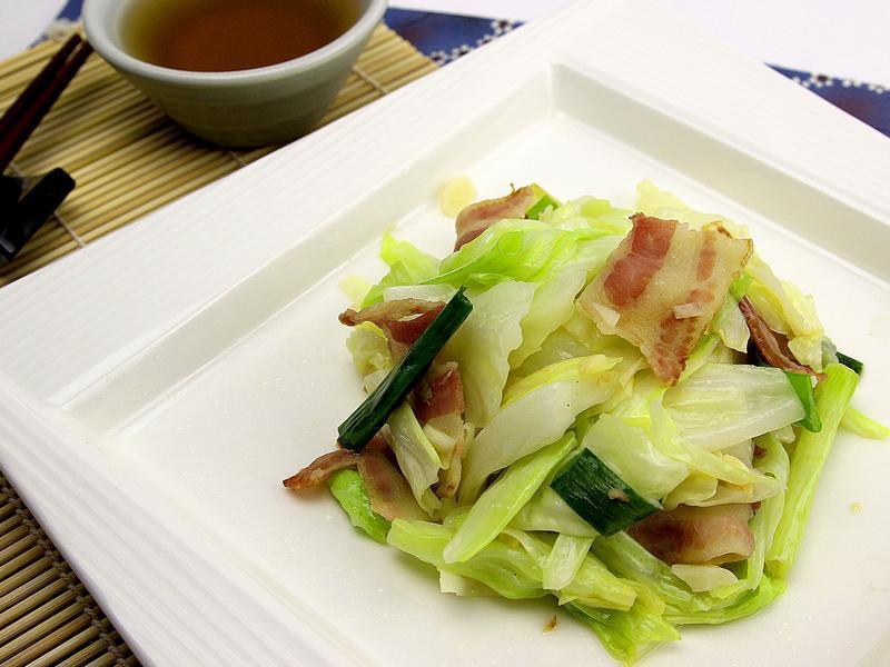 【快樂煮義】培根高麗菜