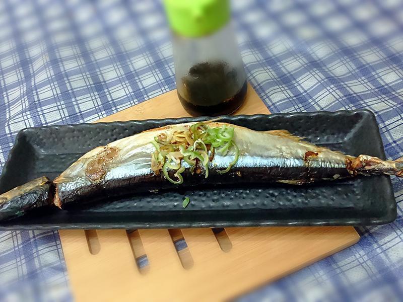 日本婆婆10秒鐘處理秋刀魚技巧分享