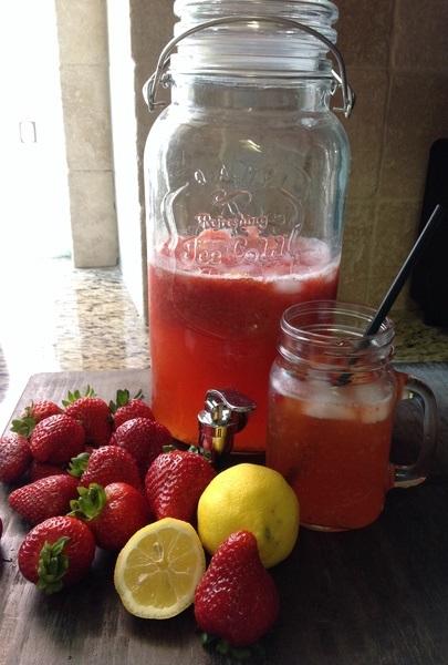 檸檬草莓蜂蜜氣泡水