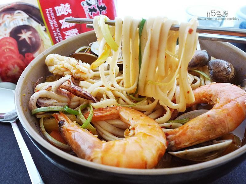 韓式香辣海鮮麵【五木拉麵】