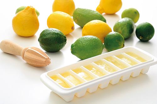《檸檬冰塊的美味料理奇蹟》 檸檬冰塊製作