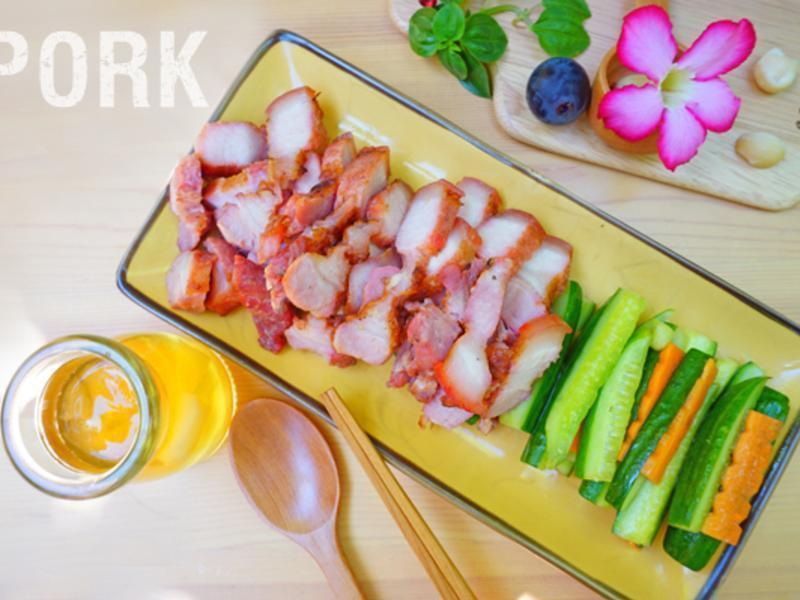 香煎紅糟肉搭配涼拌小黃瓜