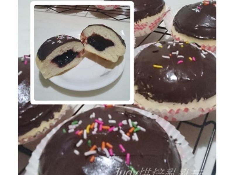 巧克力藍莓果醬麵包