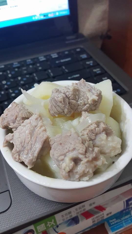 飛利浦微電鍋馬鈴薯燉肉~帶便當的好料理