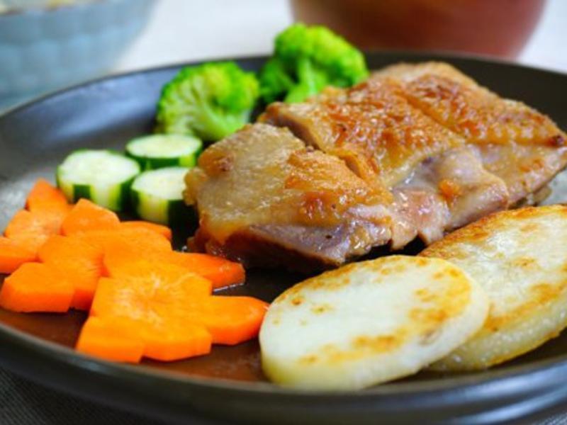 鎖住肉汁的干煎雞腿排