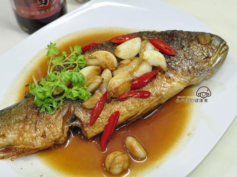蒜子燒黃魚