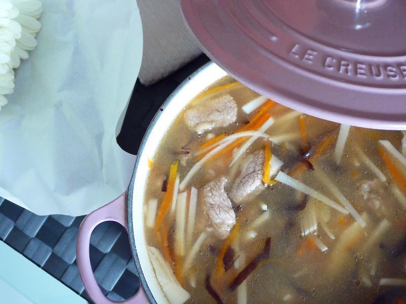 綠竹筍蒜味赤肉羹清湯