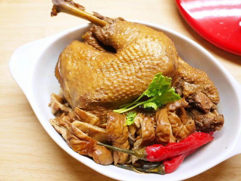 黑麥汁滷雞肉
