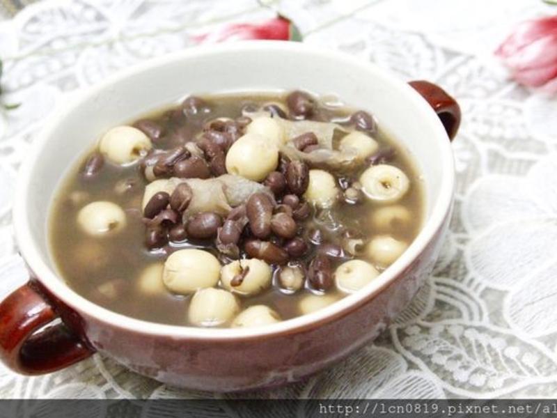 蓮子白木耳紅豆湯