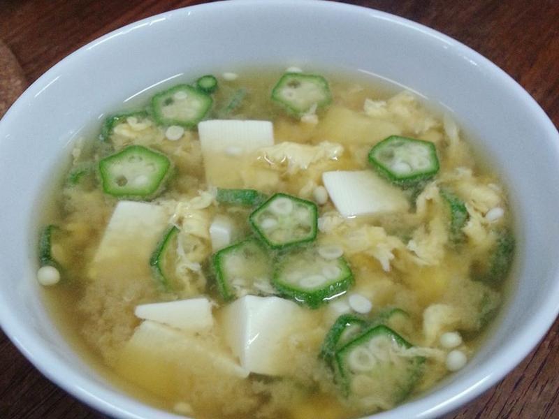 秋葵豆腐味噌湯