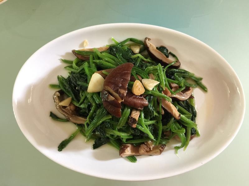 香菇炒菠菜