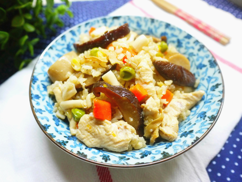 【抗漲料理】麻油菇菇雞飯