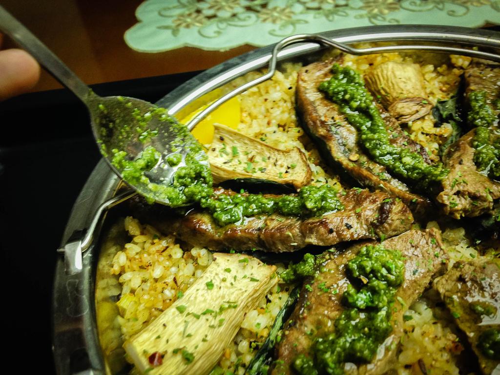 【西班牙料理】板腱牛排烤飯佐蘿勒醬