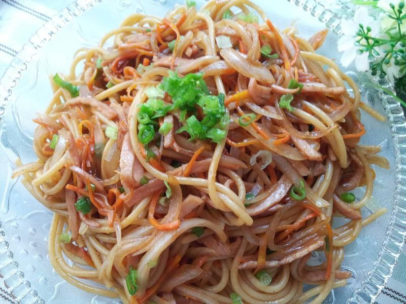 日式火腿洋蔥炒意粉