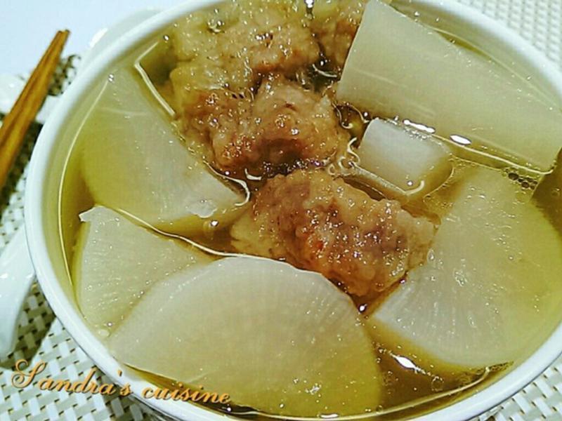 蘿蔔排骨酥湯(簡易電鍋版)