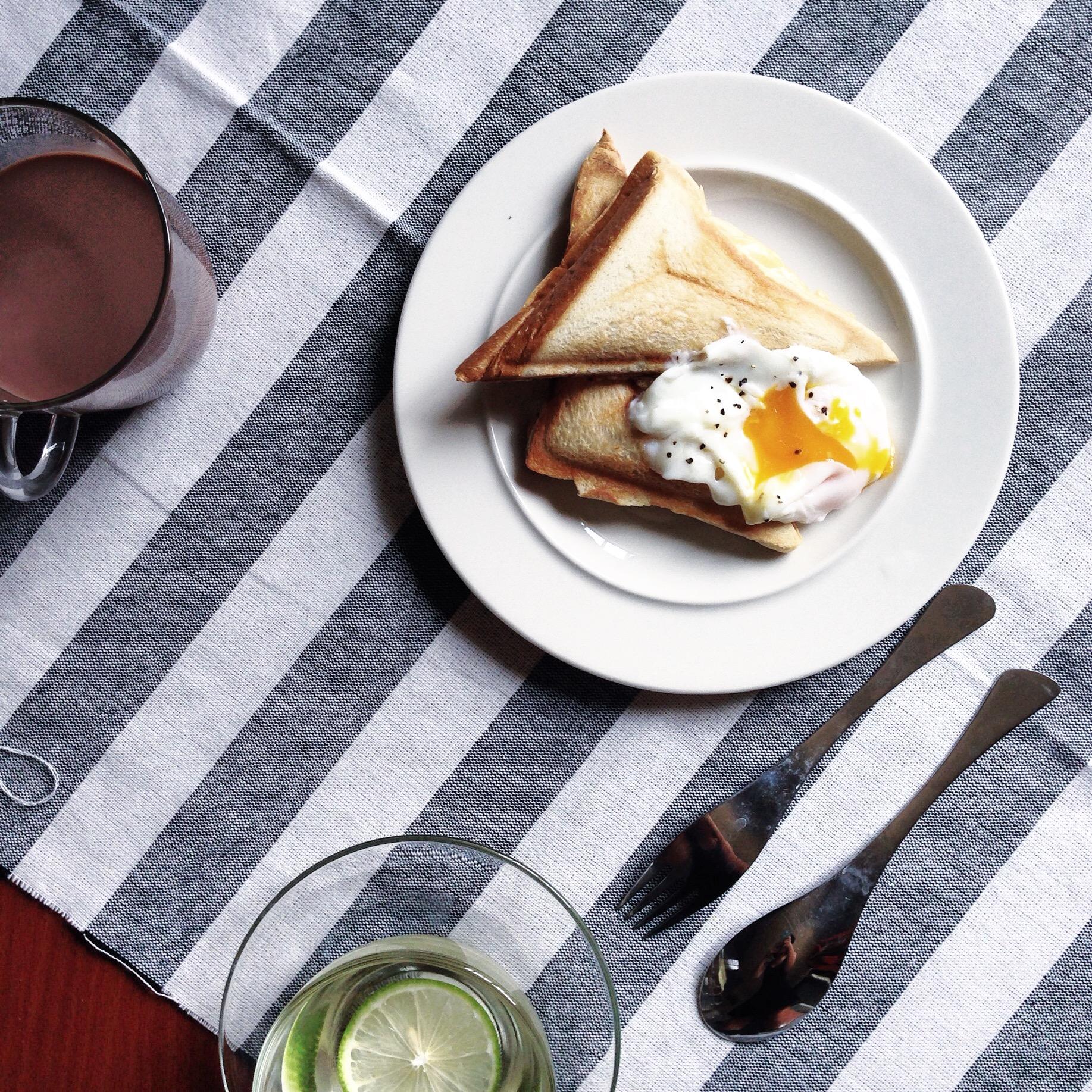 鮪魚起司三明治+水波蛋