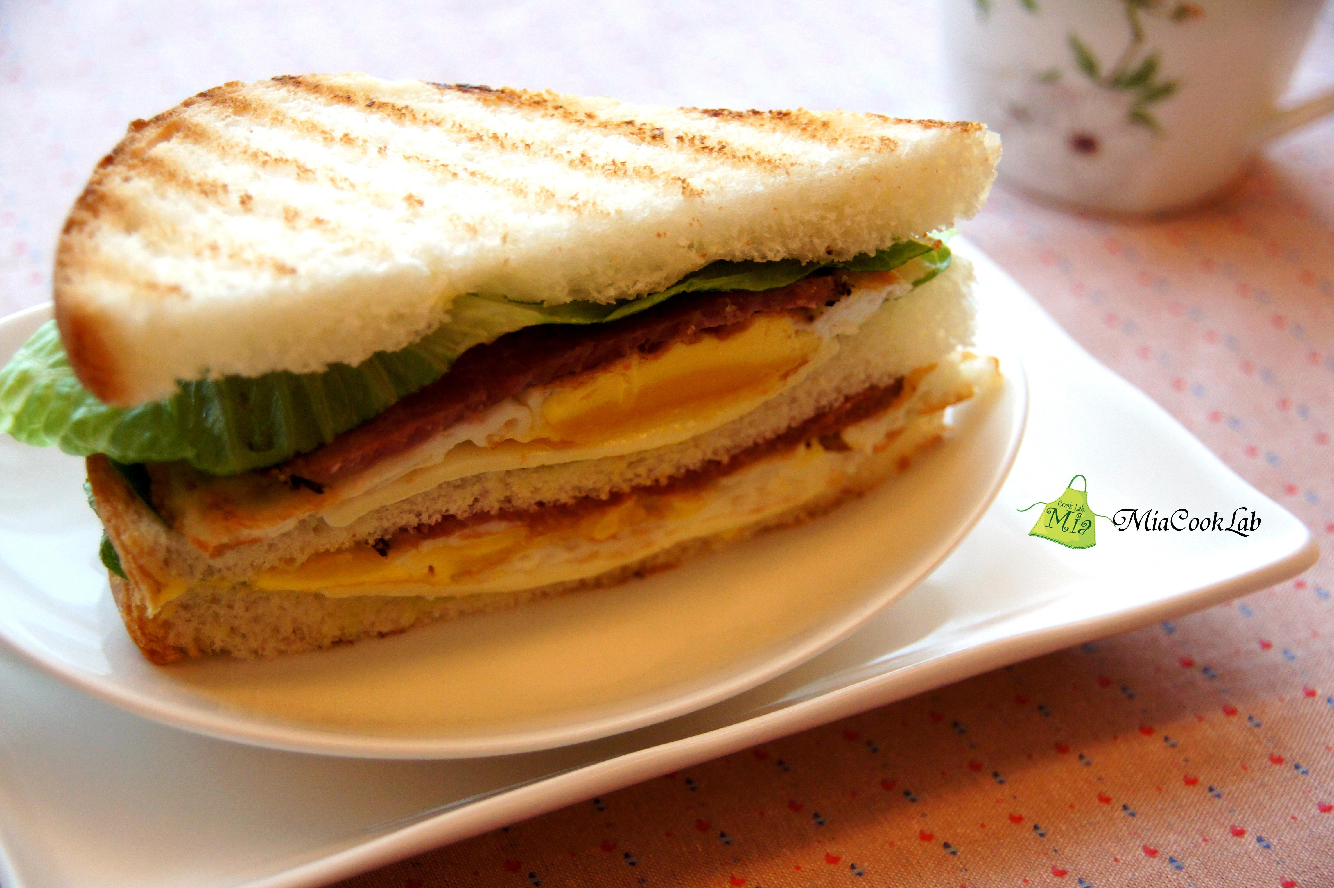 豪華牛肉三明治