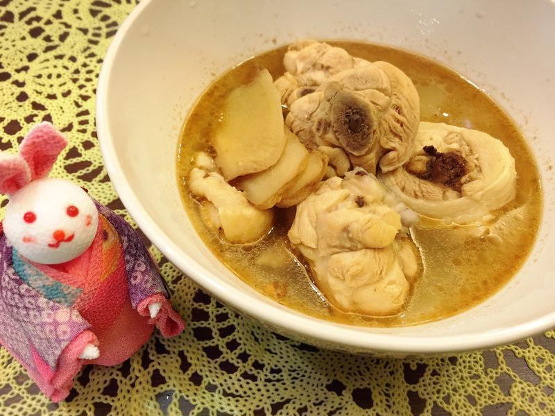 補氣暖胃麻油雞湯