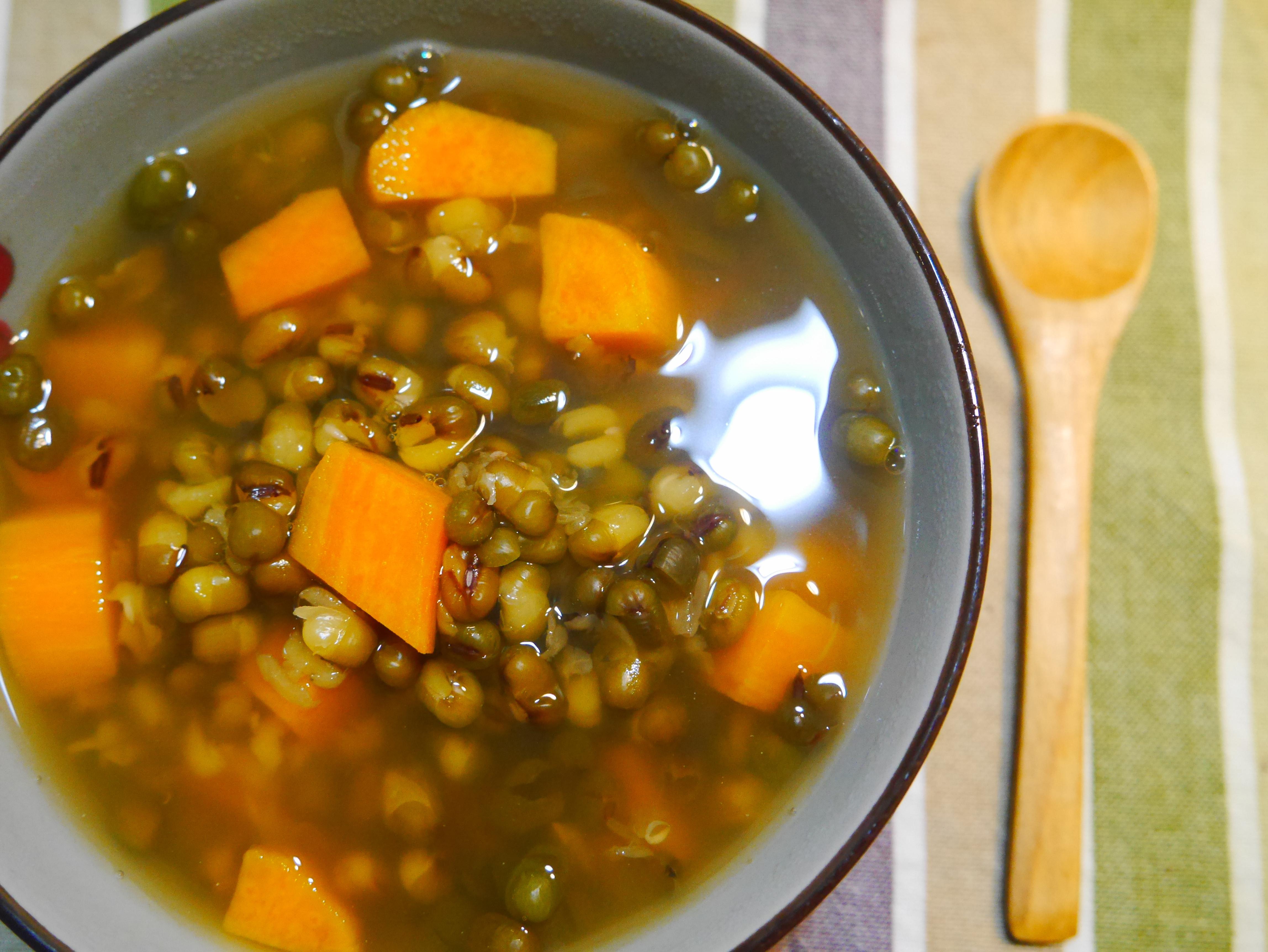 熱熱喝也很好喝的地瓜綠豆湯