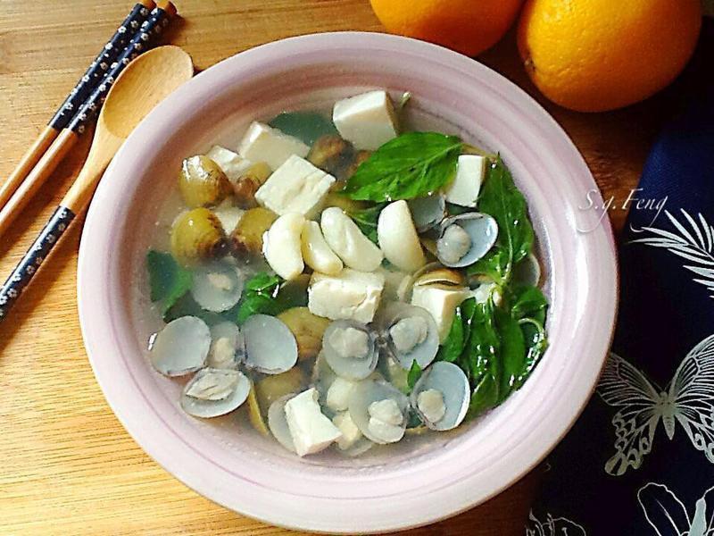 塔香蒜味蜆湯