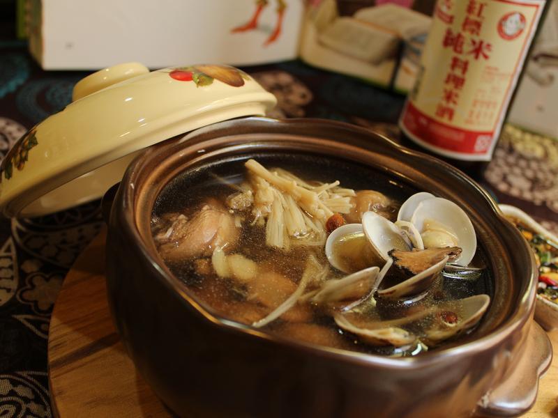 燒酒雞。台灣菸酒純米料理米酒