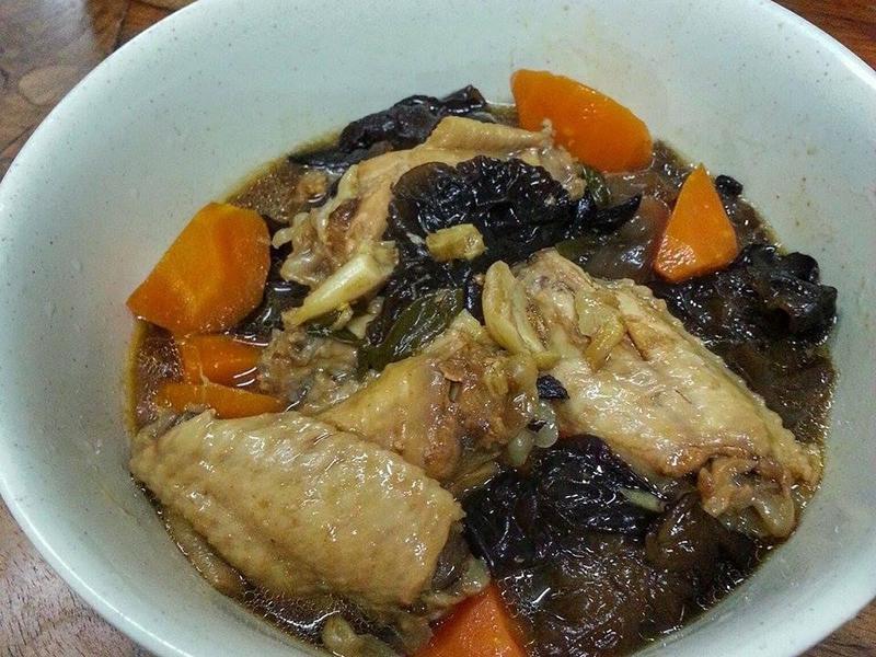 黑木耳紅蘿蔔滷雞翅