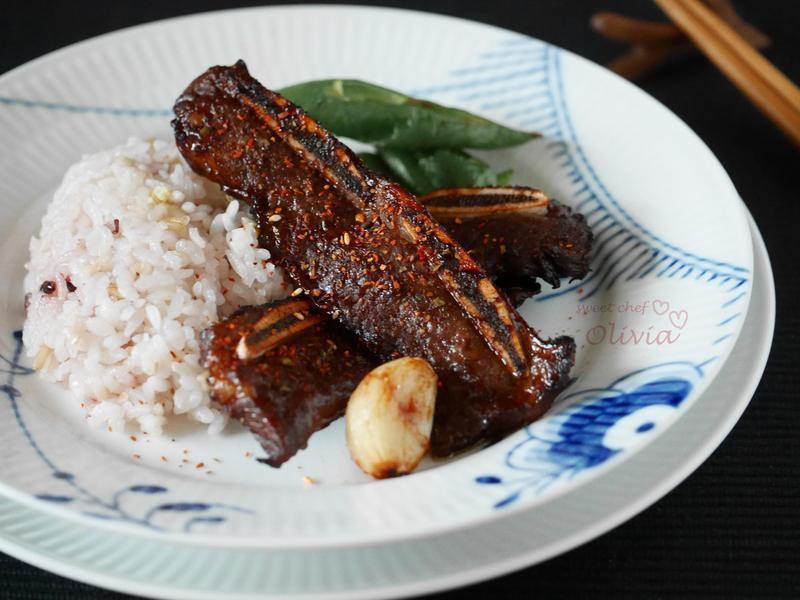 Olivia♥五分鐘韓式煎烤牛小排
