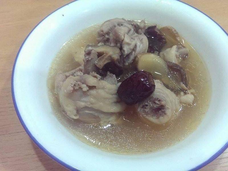 米酒香菇雞湯(超簡單)