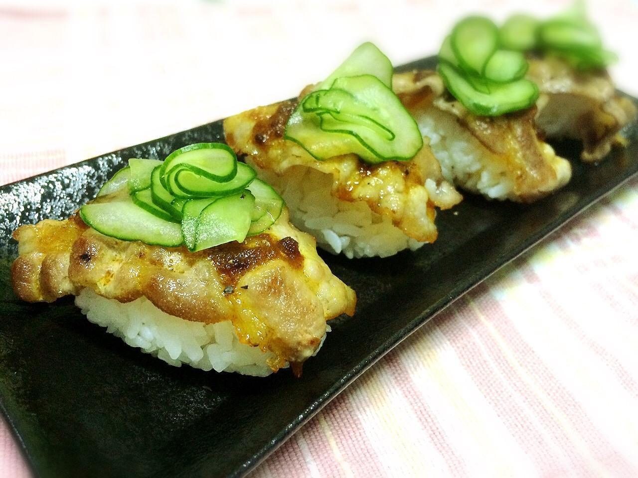 咖哩豬五花握壽司「牛頭牌咖哩新食代」