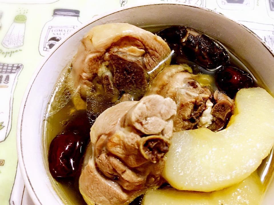 水梨香菇雞湯