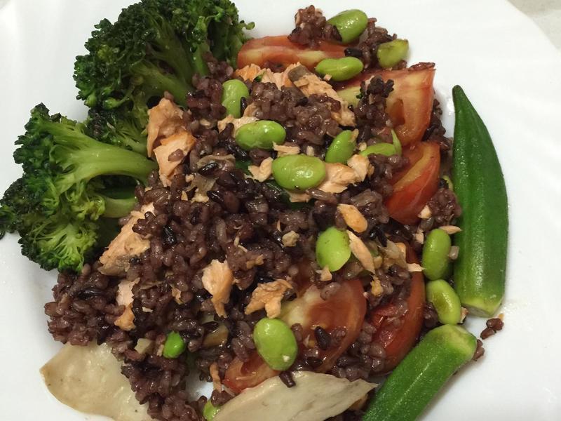 一鍋炒~鮭魚鮮蔬炒飯