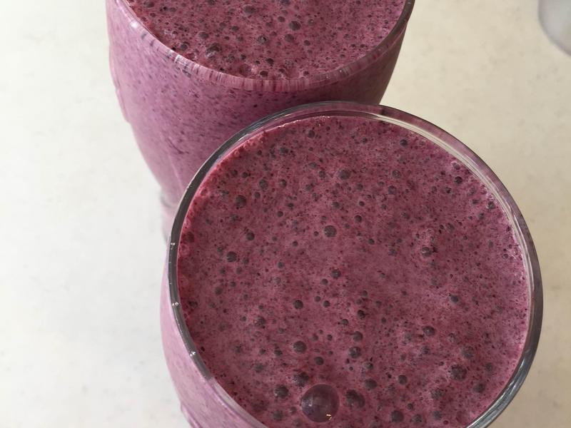 ARKDAN數位調理機-藍莓牛奶鮮果飲