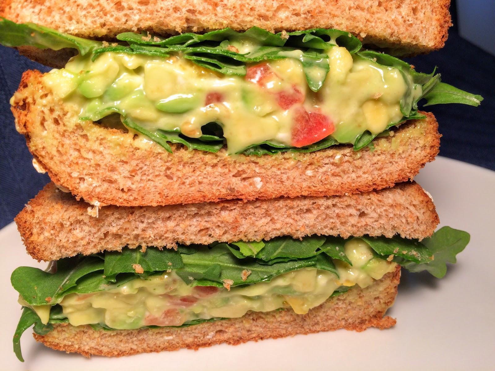 簡單早餐! 酪梨沙拉三明治