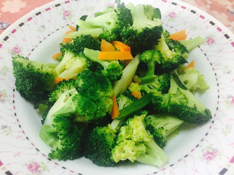 清炒花椰菜