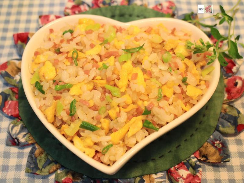 沙拉火腿蛋炒飯【滿分早點X桂冠沙拉】