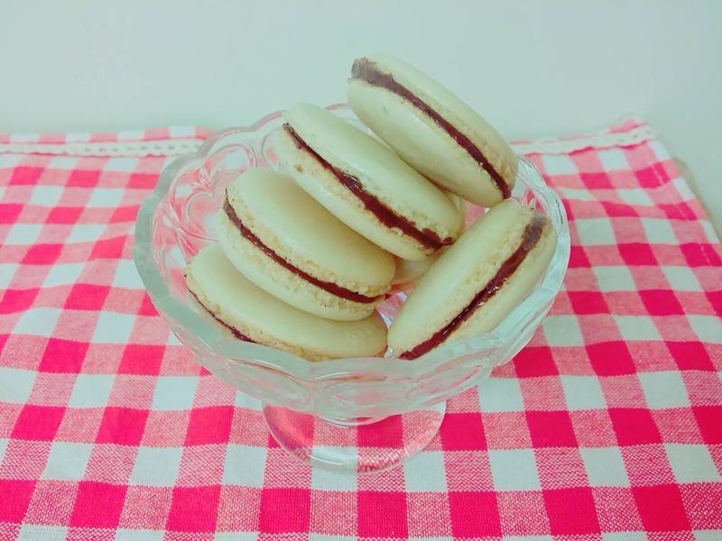 香草法式馬卡龍(巧克力餡)