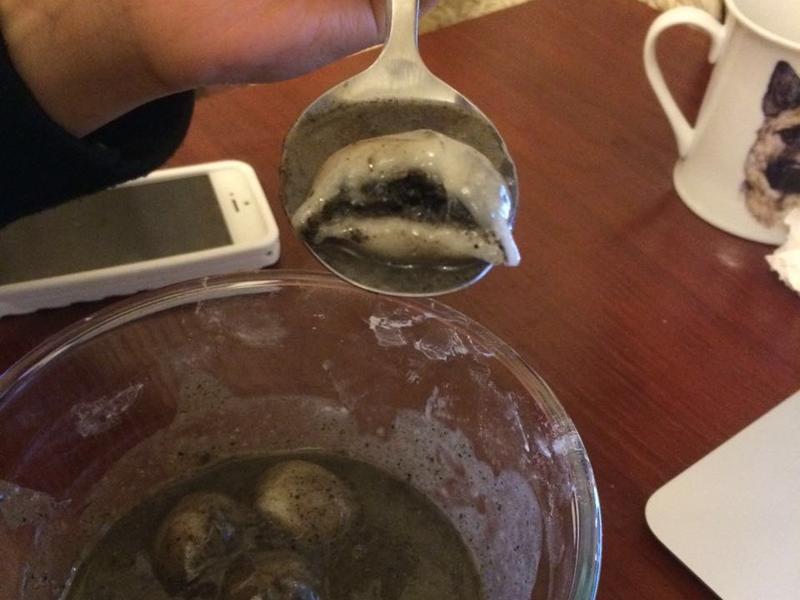 只要20分鐘!三種材料快速做芝麻湯丸!