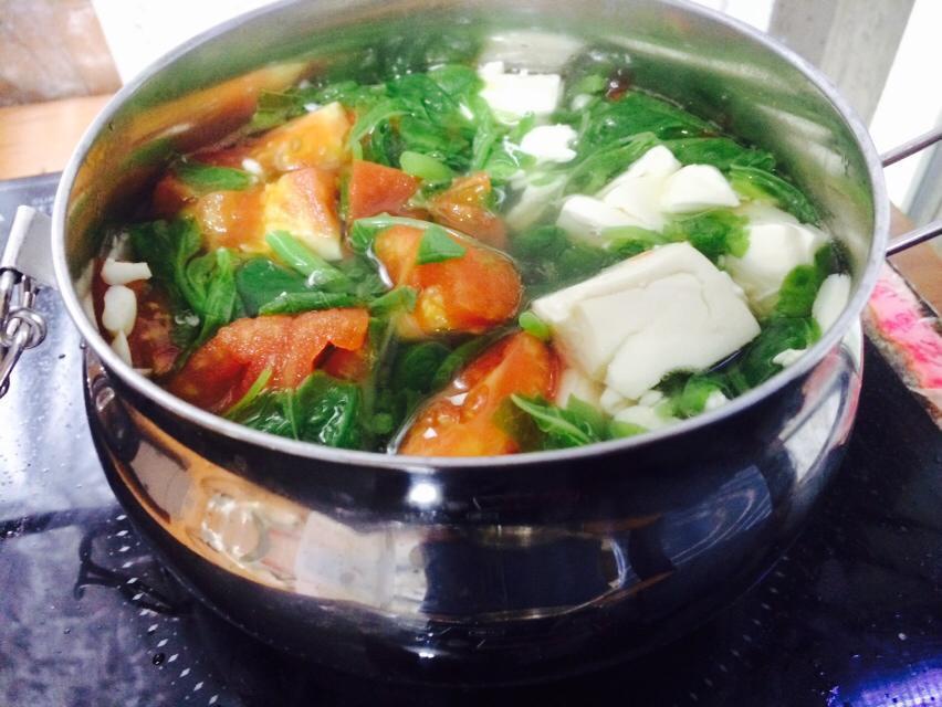 莧菜番茄豆腐湯
