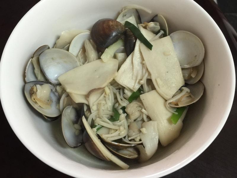 蛤蜊雙菇煮